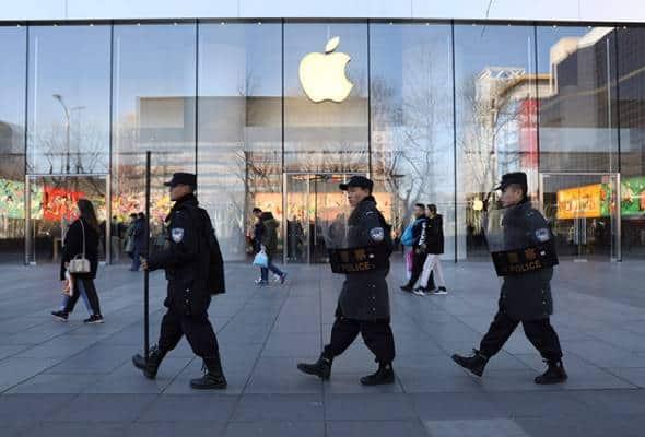 Apple tutup operasi kedai di China buat sementara waktu