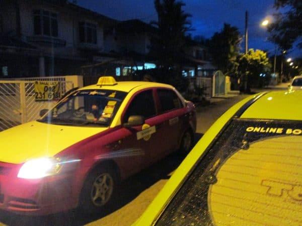 Kenderaan Thailand ganggu periuk nasi pemandu teksi tempatan