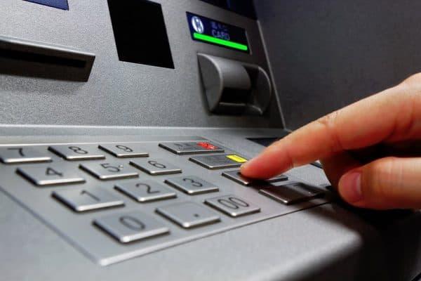 'Guna ATM terhad 7 pagi hingga 10 malam' – BNM