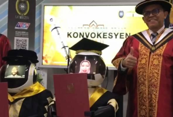 'Naseem' dan 'Seebaa' ganti graduan terima skrol pada konvo UniSZA