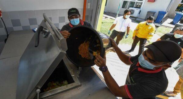 Instep hasilkan baja kompos daripada sisa makanan demi kelestarian alam