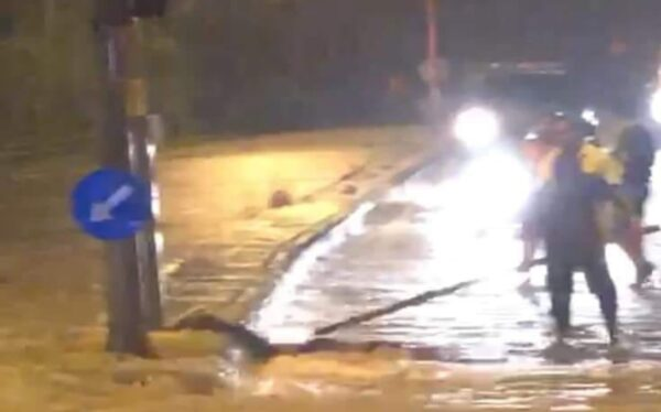 Remaja maut ketika harung banjir