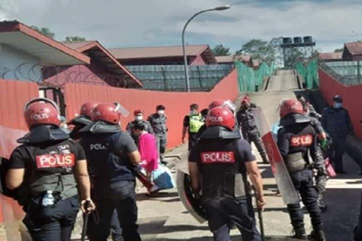 Tahanan DTI merusuh, tidak dibenarkan balik sambut Hari Raya