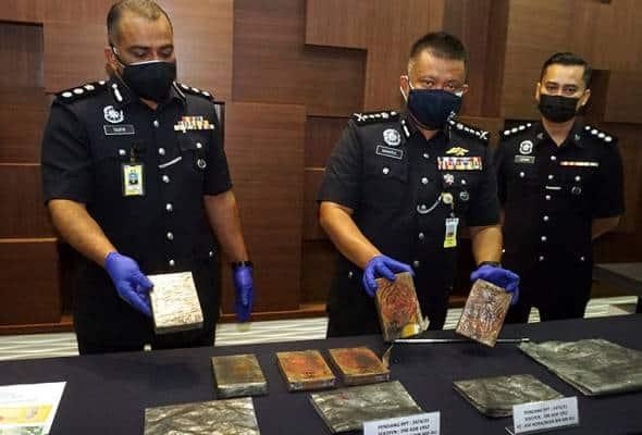 Polis tahan empat individu, rampas lebih 2 kg heroin base bernilai RM195,000