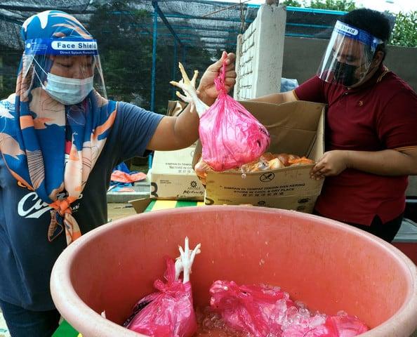 Jururawat sumbang 530 ayam semalam dan rempah-ratus