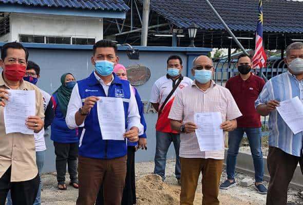 Kain rentang provokasi, Pemuda UMNO Bagan Datuk buat laporan polis